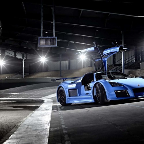 Gumpert Apollo Blue